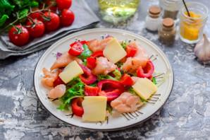 Салат с соленой красной рыбой - фото шаг 5