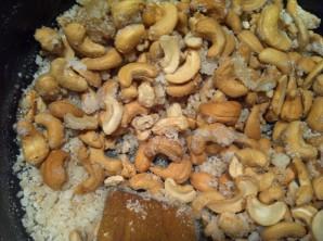 Орехи в карамели - фото шаг 2