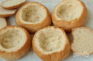 Сытный жульен в булочке - фото шаг 3