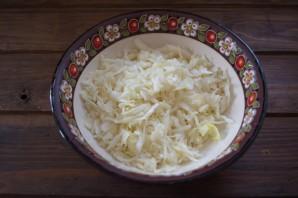 Салат удачный с сухариками - фото шаг 1