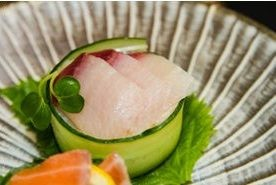 Суши с огурцом - фото шаг 7