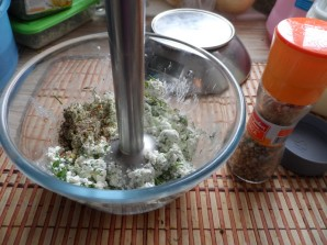 Творожная паста с зеленью - фото шаг 2