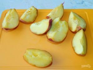 Смузи с персиком и малиной - фото шаг 2