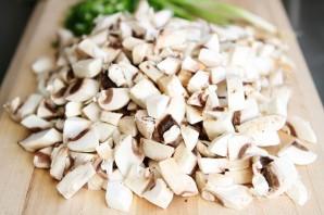 Крем-суп с грибами - фото шаг 1