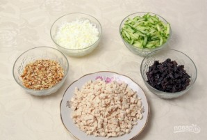 Салат с курицей и грибами слоями - фото шаг 5