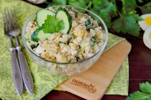 Салат из рыбных консервов с огурцом - фото шаг 8