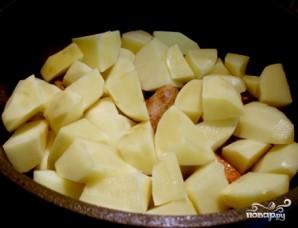 Картошка с мясом в казане - фото шаг 7