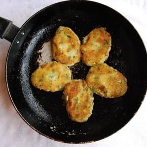 Картофельные котлеты - фото шаг 6