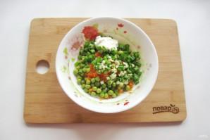 Салат с зеленым горошком и морковью - фото шаг 6