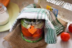 Сладкие помидоры с луком на зиму - фото шаг 7