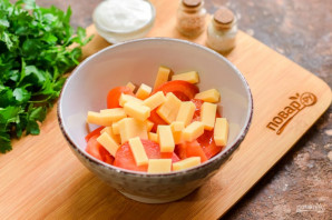 Салат с чесноком - фото шаг 3