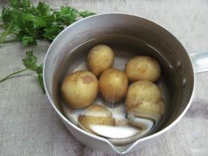 Камамбер в хлебном горшочке с картофелем - фото шаг 1