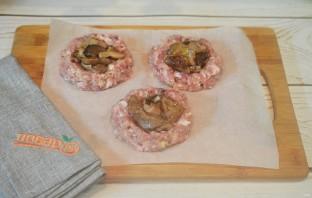 Мясные ватрушки с грибами и сыром - фото шаг 7