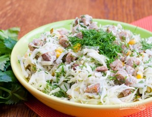 Салат с сухариками и солеными огурцами - фото шаг 4