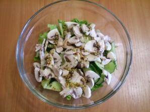 Салат из свежих грибов шампиньонов - фото шаг 7