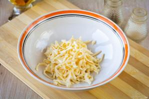 Пирожки с плавленным сыром - фото шаг 2