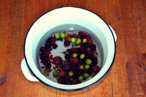 Компот из замороженных ягод - фото шаг 3