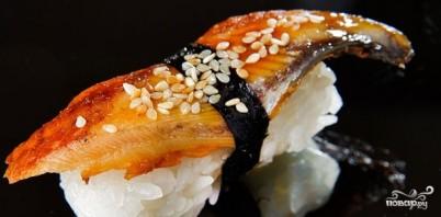 Суши с угрем - фото шаг 7