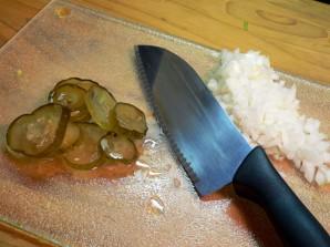 Простой салат из курицы вареной - фото шаг 4