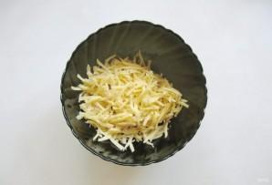 Салат с индейкой, помидором и сыром - фото шаг 2