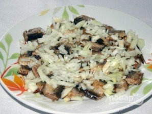 Салат из шпротов - фото шаг 3