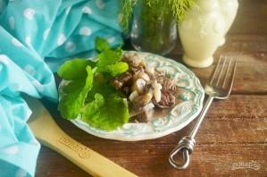 Говядина, тушенная с грибами и бренди-соусом - фото шаг 8