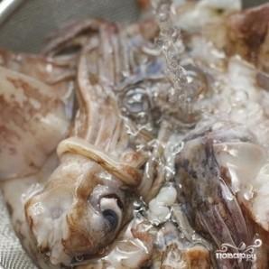 Кольца кальмаров в кляре с соусом - фото шаг 2