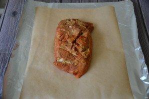 Свиной окорок, запеченный в духовке в фольге - фото шаг 5