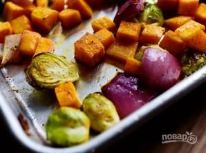 Салат из запеченных овощей с гранатом - фото шаг 6