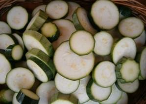 Кабачки консервированные на зиму - фото шаг 2