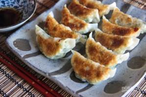Японские пельмени с креветками - фото шаг 6
