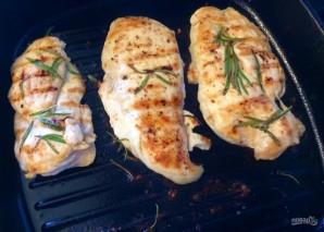 Сочный стейк из куриной грудки - фото шаг 4