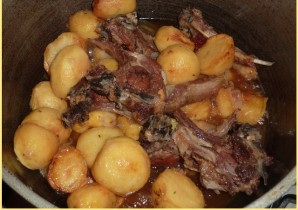 Ребрышки с картошкой в казане - фото шаг 5