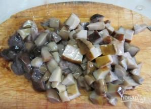 Салат с курицей и крабовыми палочками - фото шаг 6
