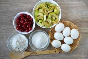 Шарлотка с яблоками и вишней - фото шаг 1