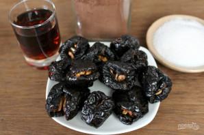 Чернослив в шоколаде с коньяком - фото шаг 2
