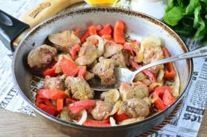 Куриная печень с болгарским перцем - фото шаг 8