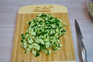 Оливье классический с колбасой - фото шаг 3
