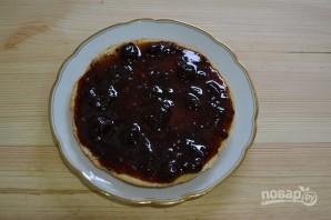 Бисквит на кефире с вареньем - фото шаг 10