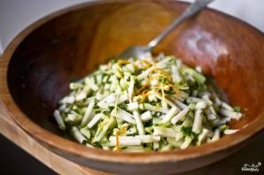 Салат с кольраби и зеленью - фото шаг 6