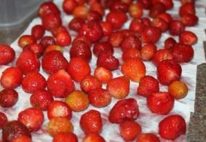 Варенье из клубники без закатки - фото шаг 3