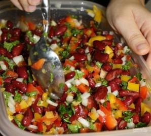 Легкий салат с фасолью - фото шаг 4