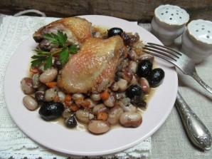 Тушеная курица с оливками и фасолью  - фото шаг 9