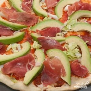 Пицца с авокадо - фото шаг 7