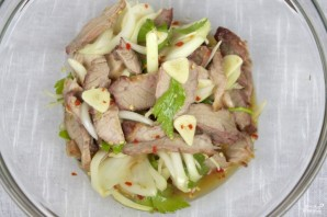 Салат шашлычный со свининой - фото шаг 4