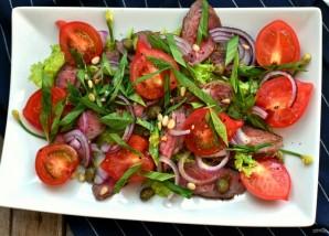 Салат с помидорами, говядиной-гриль и трюфельным маслом - фото шаг 5