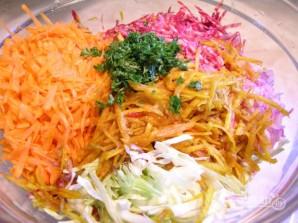 Салат с морковью, капустой и свеклой - фото шаг 2