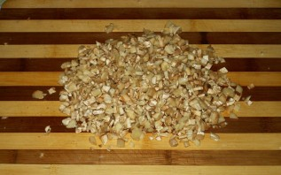Грибы, запеченные под сыром - фото шаг 2