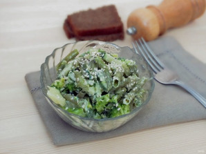 Салат из зеленой фасоли с сыром - фото шаг 4