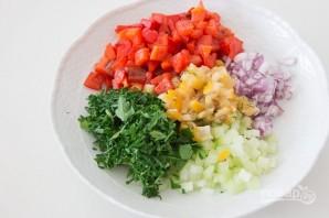 Овощной салат с нутом - фото шаг 2